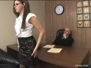 Беременную секретаршу трахнул шеф