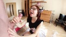 Любительское видео писающей девушки